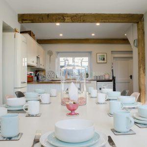 avalon-cottages-micklethorn-dining