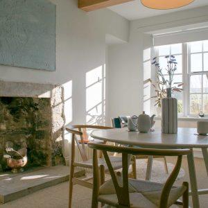 avalon-cottages-micklethorn-lounge