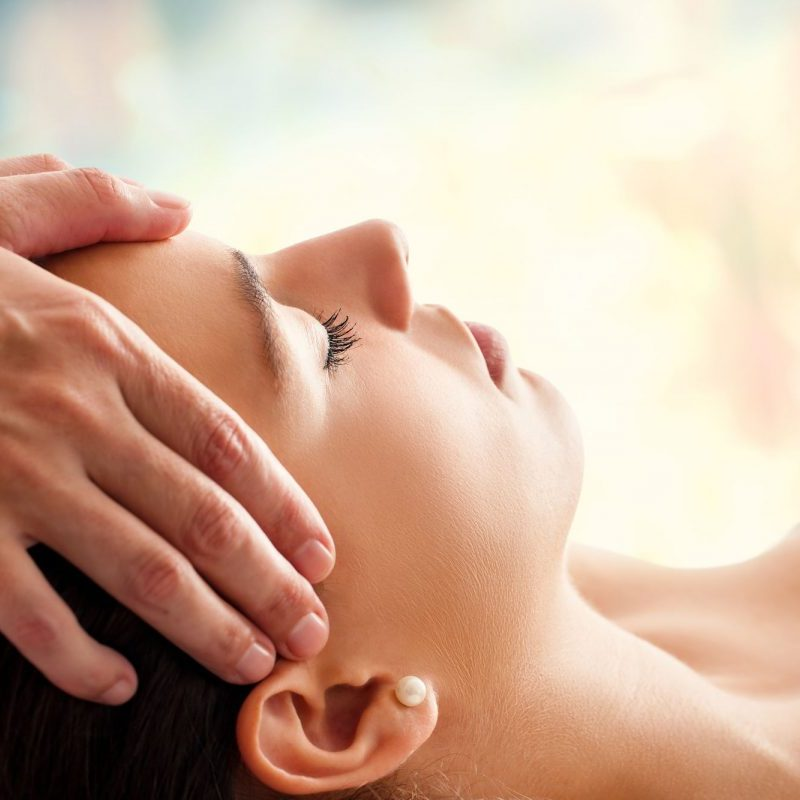 avalon-wellbeing-indian-head-massage