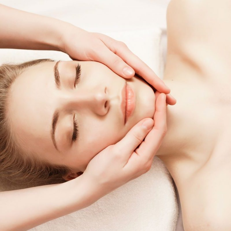 avalon-wellbeing-neals-yard-facial-treatment