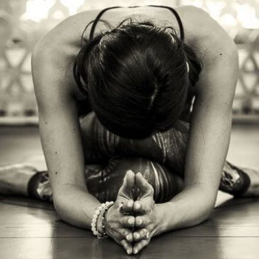avalon-wellbeing-yin-yoga-cassie-mcdowell-class